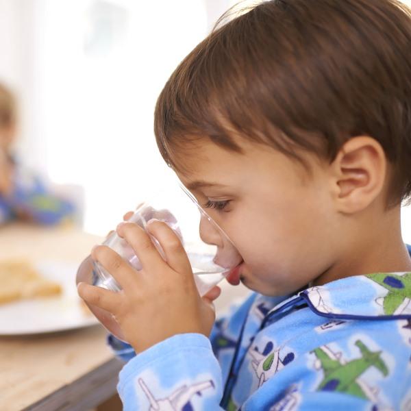 Причины и симптомы обезвоживания организма у детей и взрослых, что делать при обезвоживании