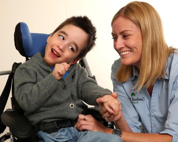 Признаки и причины ДЦП у ребенка, методы лечения детского церебрального паралича