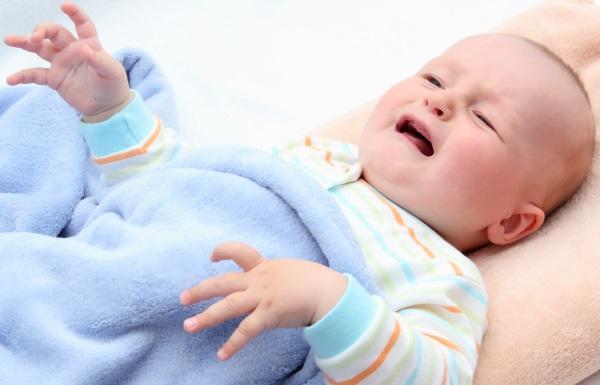Запор у грудної дитини — що робити