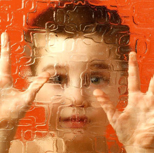 Ознаки аутизму у дитини, причини, методи корекції